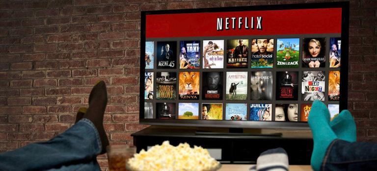 Netflix угрожает спойлерами на билбордах тем кто не хочет сидеть дома